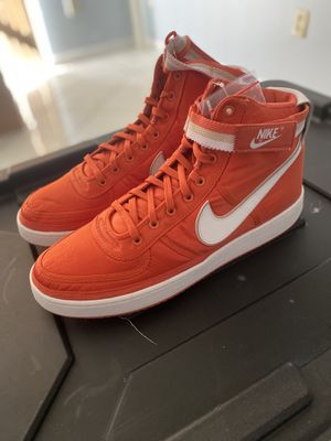 Nike boots for Sale in Hialeah, FL