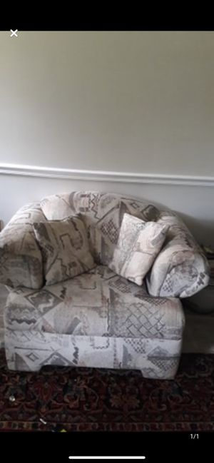 Very comfortable sofa chair excellent condition NO pets or smoking for Sale in Rockville, MD