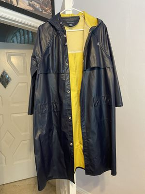 Lands End Raincoat for Sale in Miami Beach, FL