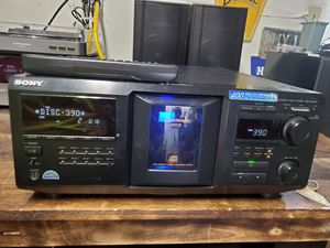 Sony Mega Storage 400 disc storage player with remote CDP-CX400 for Sale in Puyallup, WA