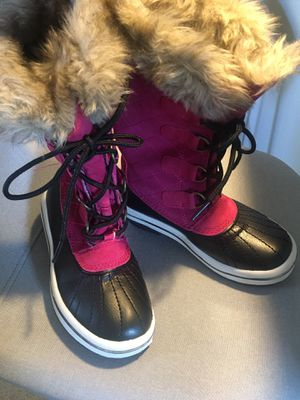 Snow boots size 1 girls for Sale in Goodyear, AZ