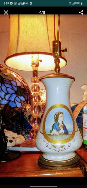 Elegant Antique & Victorian era Lamp for Sale in Lexington, SC