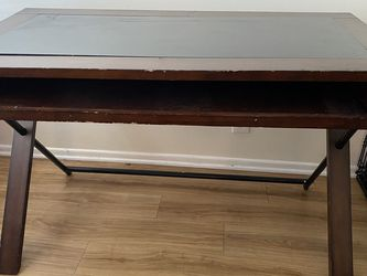 Wooden Desk/computer Table With Roll Out Bottom Tray for Sale in Los Angeles,  CA