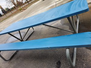 Picnic table 8ft x 5ft for Sale in Fresno, CA