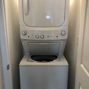 GE Unitized Stacked Washer and Dryer for Sale in Los Angeles, CA