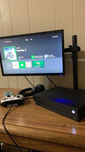 Xbox on x + extras for Sale in Alexandria, LA