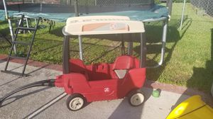 Step 2 kids pull wagon with hard canopy top toy storage for Sale in Pembroke Pines, FL