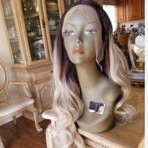 Ombre Blonde Beauty Lace Front Wig for Sale in Long Beach, CA