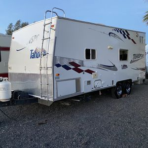 2005 Tahoe transport 21 feet Feel station generator Great first time toy hauler camp ready $10.900 Transport Tahoe for Sale in Jurupa Valley, CA