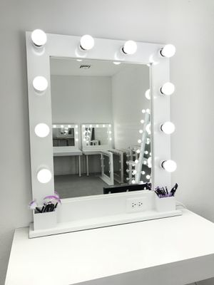 Tall Makeup and Hair Vanity Mirror for Sale in Las Vegas, NV