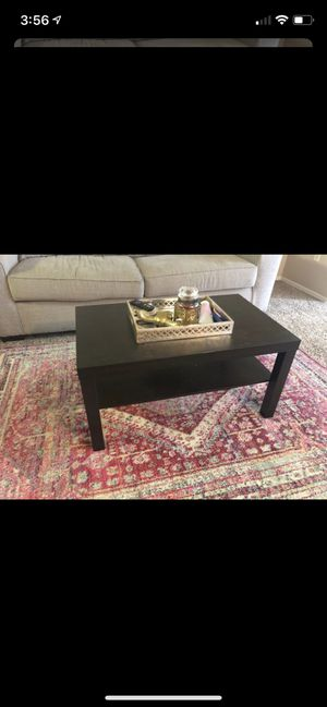 Brown coffee table for Sale in Pompano Beach, FL