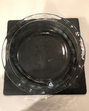 2 Pyrex Large/Deep Dish Pie Dishes for Sale in Houston, TX