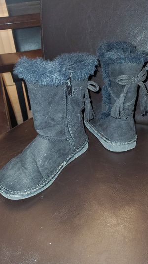 Size 8medium little girls for boots for Sale in Denver, CO