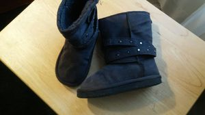 Girls size 10 gray suede boots for Sale in Silver Spring, MD