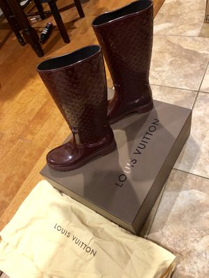 Louis Vuitton Monogram Rain Boots Size -10/40 for Sale in Philadelphia, PA