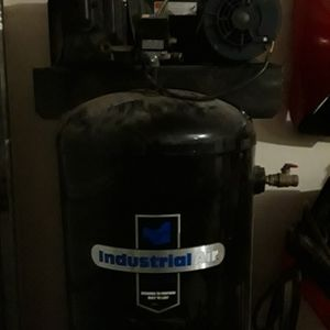 60 Gal Air Compressor for Sale in The Colony, TX