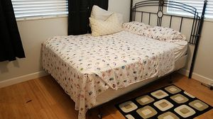 Queen size bedroom sets for Sale in Tampa, FL