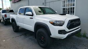 2017 TOYOTA TACOMA for Sale in Miami, FL