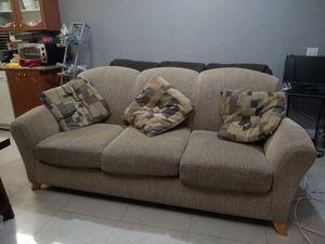 Free Coach - Sofa gratis for Sale in Miami, FL