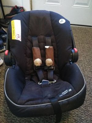 Graco car seat infant for Sale in Medford, MA