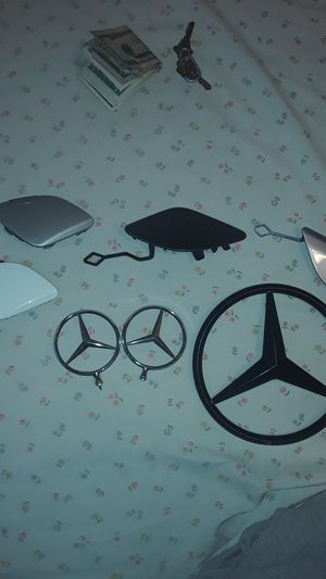 Mercedes Benz parts emblems front bumper attachments for Sale in Queens, NY