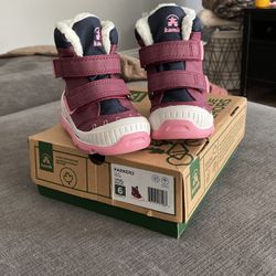 Toddler Girls Snow Boots for Sale in Boring,  OR