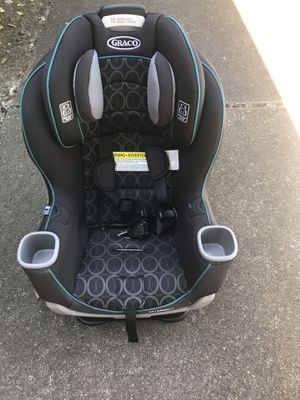 Graco Extend2fit Convertible Car Seat for Sale in Federal Way, WA