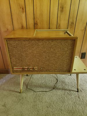 Record player.. 1960 SILVERSTONE model no.278 for Sale in WILOUGHBY HLS, OH