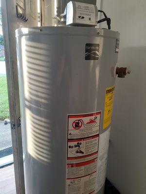 Kenmore 40gallon gas water heater natural gas he's 110 outlet {contact info removed} for Sale in Hampton, VA