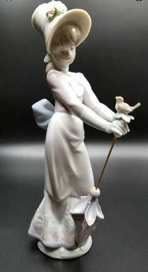 Lladro Figurine GARDEN SONG GIRL WITH UMBRELLA & BIRD #7618 Retired Mint for Sale in Springfield, MA