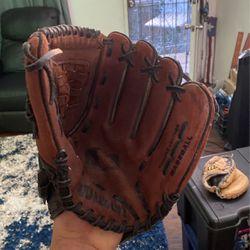 wilson baseball glove a2452 11 1/2 inch for Sale in San Diego,  CA