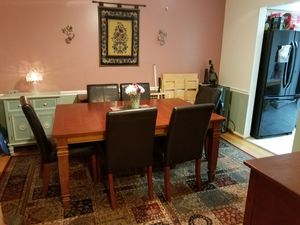 dining rm table & 6 chairs for Sale in Sterling, VA