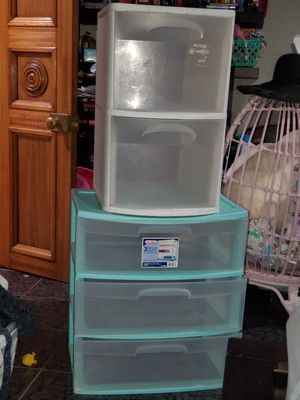2 plastic drawers for Sale in San Diego, CA
