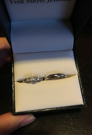Engagement ring and a band for Sale in Lacey, WA