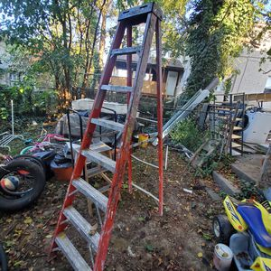 8 foot ladder for Sale in Eddystone, PA