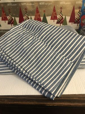 Sheet set! Queen. Purchased Sams club, laundered once, doesn't fit our mattress that well for Sale in Rapid City, SD