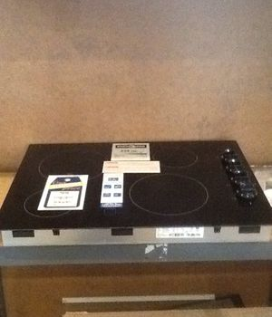 "New open box frigidaire 30"" electric cooktop FFEC3024LC for Sale in Hawthorne, CA"