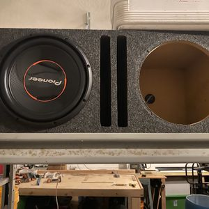 """Amp Dual 12"""" Sub And Box for Sale in Port St. Lucie, FL"""