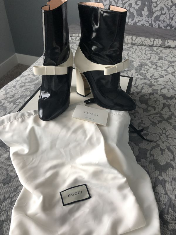 AUTHENTIC GUCCI Patent Leather Boots!!