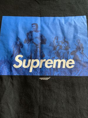 Supreme shirt. New condition (Med) for Sale in Tukwila, WA