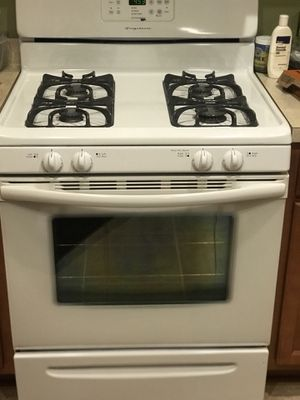 Set of Frigidaire kitchen appliances for Sale in Cleveland, OH