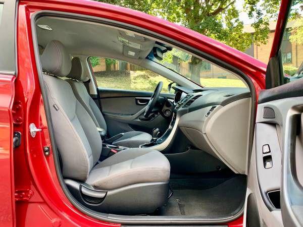 2016 Hyundai Elantra SE 4D Sedan