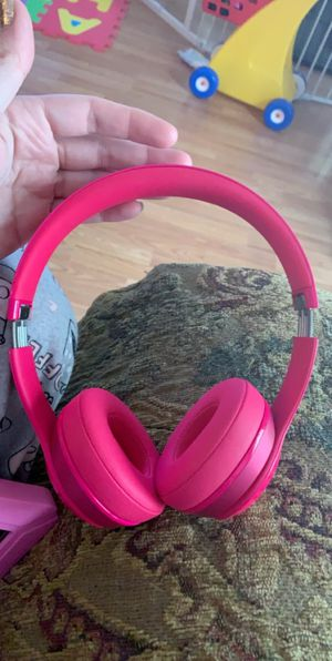 Beats by Dr. Dre Solo2 Wired On-Ear Headphones (Pink) for Sale in Baytown, TX