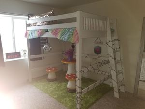 ENTIRE GIRLS BEDROOM SET!!!!! for Sale in Peyton, CO