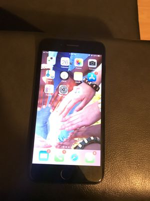 CARRIER UNLOCKED Iphone 7 Plus for Sale in Bowie, MD