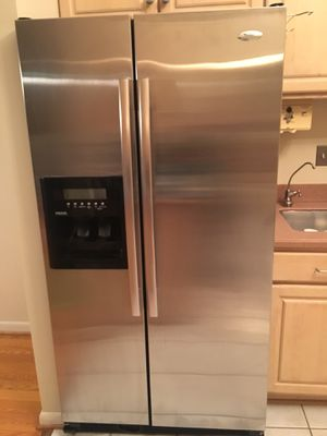 Whirlpool refrigerator - year 2015 for Sale in Silver Spring, MD