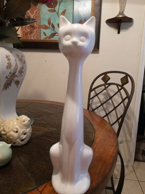 Ceramic birds and 14 inch cat for Sale in Palm Bay, FL