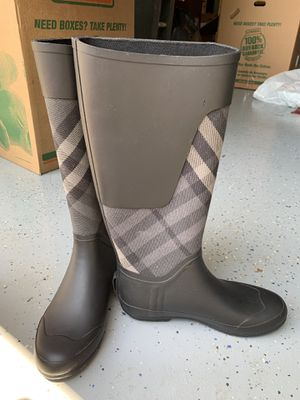 Burberry Rain Boots- Size 39 for Sale in Herndon, VA