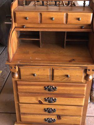 Antique desk for Sale in Jurupa Valley, CA