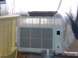 Ac new hardly used for Sale in Jefferson City, MO